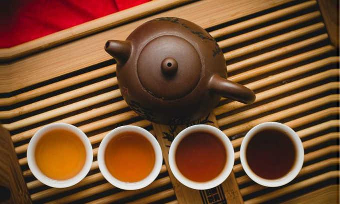 Следует помнить, что черный чай заваривают только раз, а зеленый сохраняет вкусовые и полезные свойства до 5 завариваний