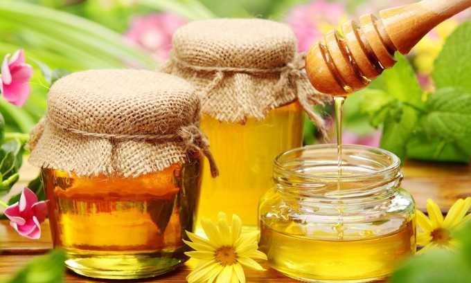 При холецистопанкреатите можно употреблять немного мед