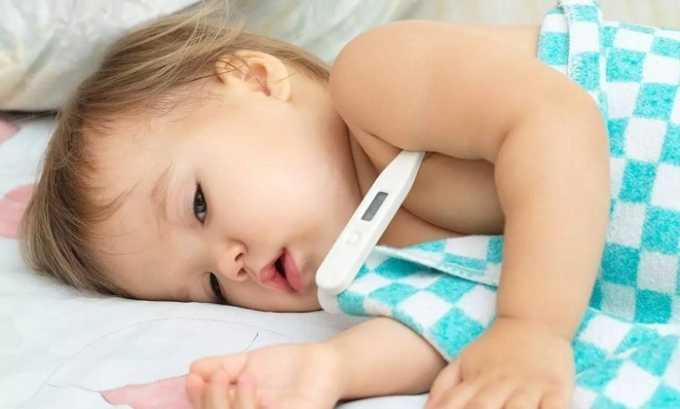 Заставить обратиться к врачу-гастроэнтерологу должно резкое повышение температуры тела у ребенка