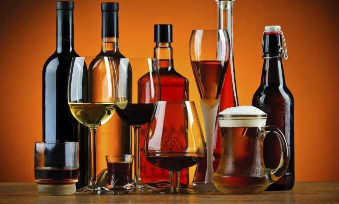 Употребление алкоголя при панкреатите может вызвать понос
