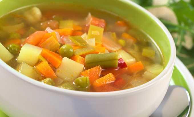 Вегетарианские супы насыщают организм легкими белками и витаминами. Для их приготовления используется овощной бульон