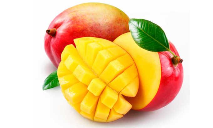Манго - достаточно сладкий плод, который может повлиять на увеличение уровня глюкозы