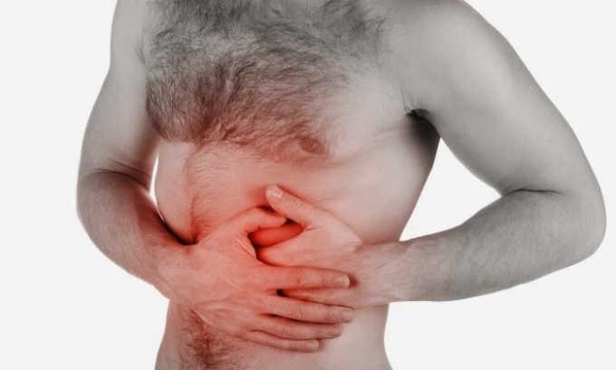 Одним из симптомов билиарного панкреатита является боль в подреберье
