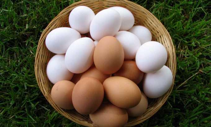 Для омлета с мясом необходимы яйца