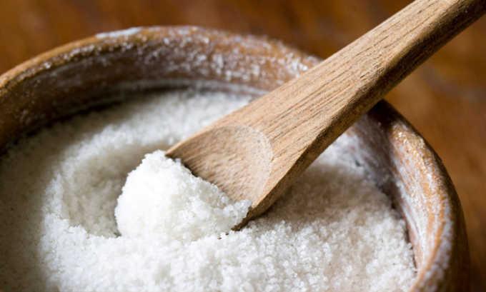 Добавляют в консервацию также соль, поэтому огурцы консервированные нельзя кушать