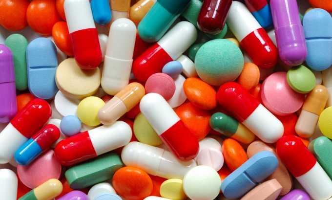 Лечение подбирается врачом и включает лекарственные препараты