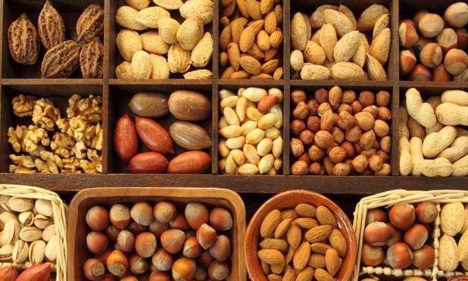 Не стоит приобретать продукт, в котором имеются орехи, они могут создать дополнительную нагрузку на поджелудочную железу