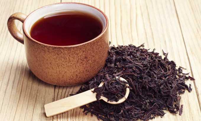 При панкреатите чай в пакетах или гранулах лучше не покупать, а отдавать предпочтение листовому, без ароматизаторов и других добавок