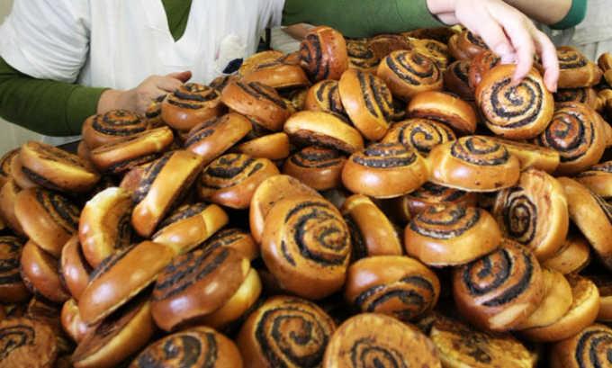 Запрещены сладкие сдобные булочки. В них высоко содержание легкоусвояемых углеводов