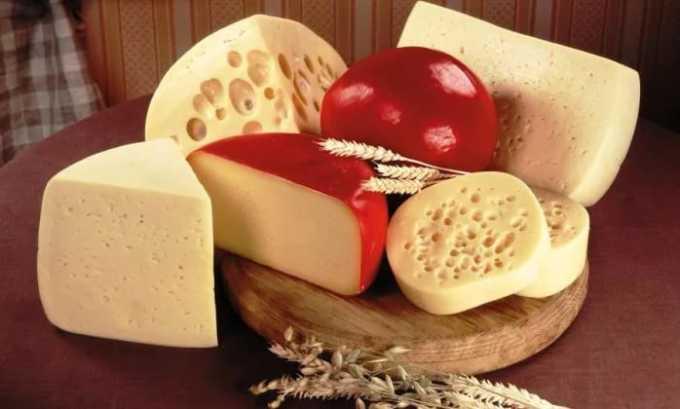 Твердые сорта сыра не рекомендуется употреблять при панкреатите