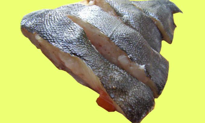 Жирные сорта рыбы нужно исключить из рациона