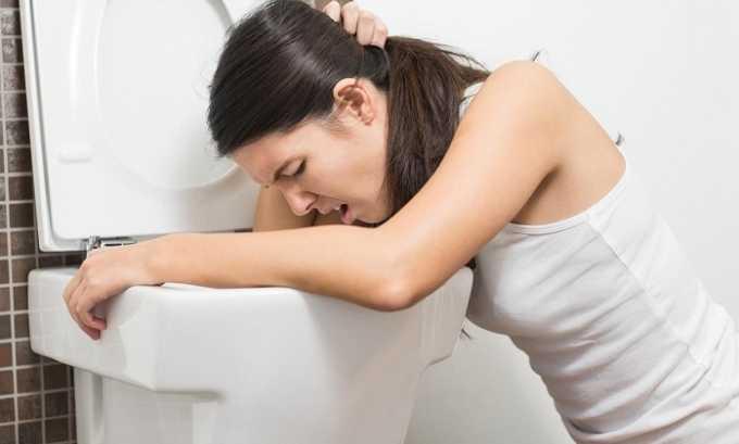 Приступ панкреатита характеризуется сильной тошнотой с последующей неукротимой рвотой