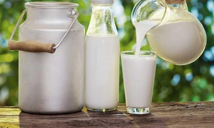 Предпочтительно вводить в меню малыша нежирное молоко