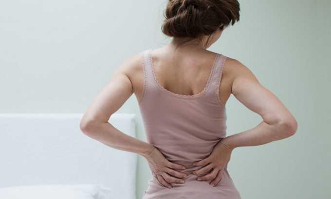 Локализация спазма зависит от зоны поражения поджелудочной железы. Если очаг воспаления находится в головной части органа, то боль отдает в правый бок и поясницу