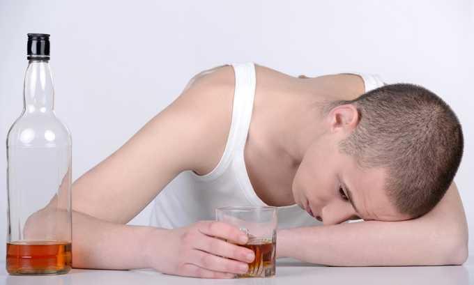 Лечебную минеральную воду для устранения воспаления поджелудочной железы не назначают при алкоголизме