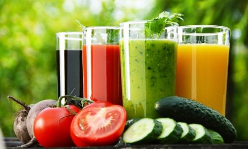 При воспалении поджелудочной железы рекомендуется соблюдать строгую диету и правильно составлять ежедневное меню