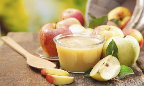 Для фруктового киселя необходимо взять любые разрешенные спелые фрукты и ягоды: яблоки, смородину, малину, вишню и др