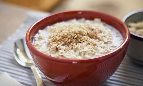 Овсяная каша на завтрак полезна при пакреатите