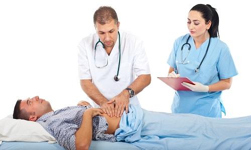 При появлении симптомов патологического состояния необходимо вызвать врачей скорой помощи, т. к. терапия панкреонекроза должна проводиться в условиях стационара