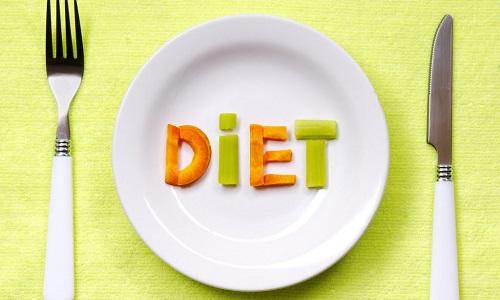 При обострении болезни пациент должен придерживаться строгой диеты