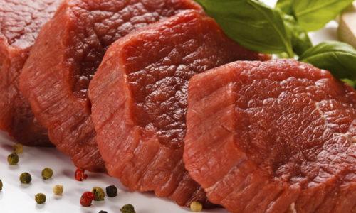 Постное мясо при панкреатите служит источником белка, железа, фосфора и аминокислот