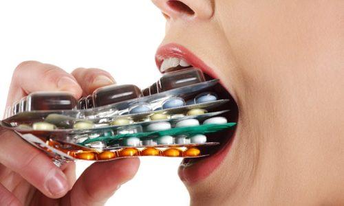 Часто панкреатит принимают за желудочные колики и стараются снять традиционными анальгетиками