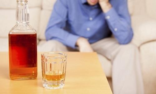 Алкогольный панкреатит - воспалительный процесс в поджелудочной железе, возникший по причине чрезмерного и регулярного употребления спиртных напитков