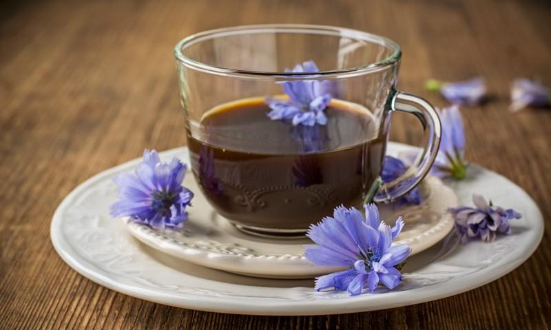 Многие врачи разрешают употребление несладкого кофе без кофеина