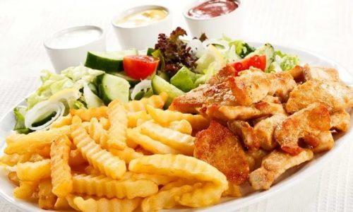 Неприятный привкус возникает не только при частом переедании, но и при употреблении большого количества жирной пищи