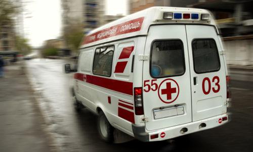 Если появился панкреатит, возможно, придется вызвать бригаду скорой помощи