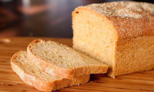 Выходить из голодания первых нескольких дней после приступа нужно постепенно: на 3-4 день можно съесть немного сухарей из несдобного хлеба или батона