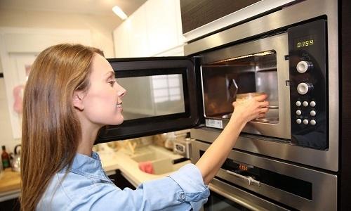 """Перед употреблением полезную """"кашу"""" можно слегка подогреть в микроволновой печи"""