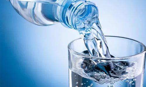Минеральную воду рекомендовано принимать без газа