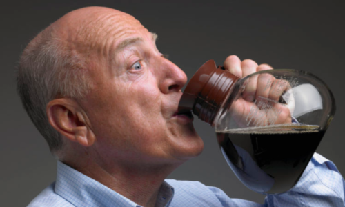 Гастроэнтерологи не советуют употреблять кофе при панкреатите из-за нежелательных побочных действий на организм