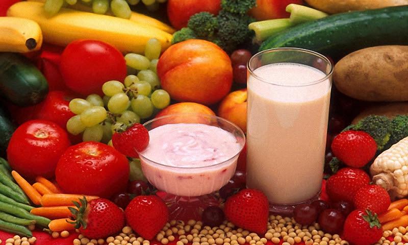 Питание при панкреатите должно быть организовано таким образом, чтобы отрегулировать желчеобразование и предотвратить застой желчи, способствующий обострению заболевания