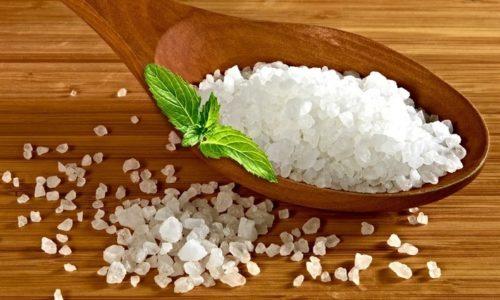 Для приготовления диетического творожного блюда в духовке понадобится соль