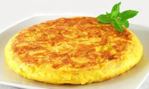 Омлет можно употреблять на завтрак при пакреатите, не чаще 2-х раз в неделю