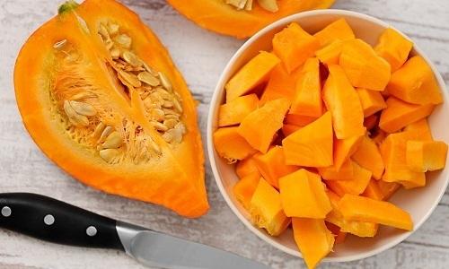 Для приготовления первых овощных блюд используются разрешенные при панкреатите овощи. Например, тыква