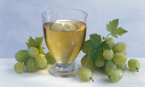 Сок из зрелых ягод винограда способен избавить человека от головной боли при мигрени, помогает при несварении желудка и запорах, приводя стул в норму
