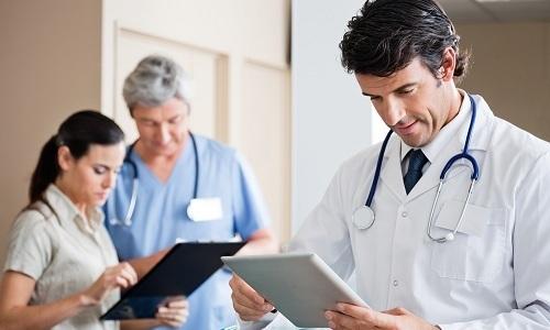 Нередко для повышения эффективности лечения требуется консультация узких специалистов: гастроэнтеролога, эндокринолога, хирурга
