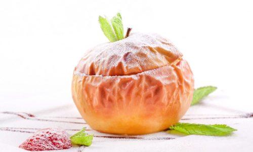 Запеченные яблоки благоприятно воздействуют на неокрепший после воспаления организм, легко перевариваются, способствуют насыщению организма полезными веществами и микроэлементами