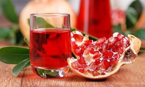 В гранате содержатся важные для организма аминокислоты, антиоксиданты, витамины и минералы